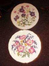 2 X ROYAL ALBERT DISPLAY PLATES LTD EDITION JO HAGUE MEADOW PINKS WOODLAND ROSES
